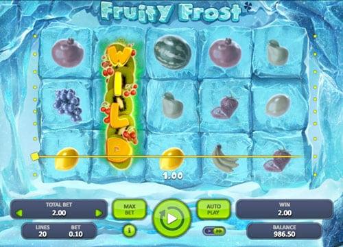 Призовая комбинация на линии с Wild в игровом автомате Fruity Frost